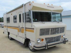 #ThrowbackThursday Vintage RV: 1976 Winnebago 24RB