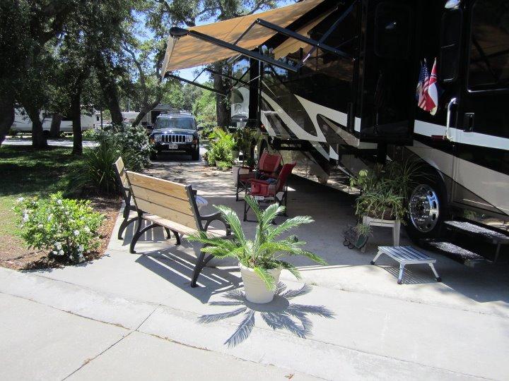 Travel Tuesday Featured Destination – Majestic Oaks RV Resort