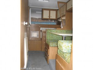 Throwback Thursday Vintage RV: 1970 Holiday Rambler Black Diamond 11