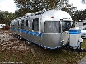 Throwback Thursday Vintage RV: 1982 Airstream Excella 34