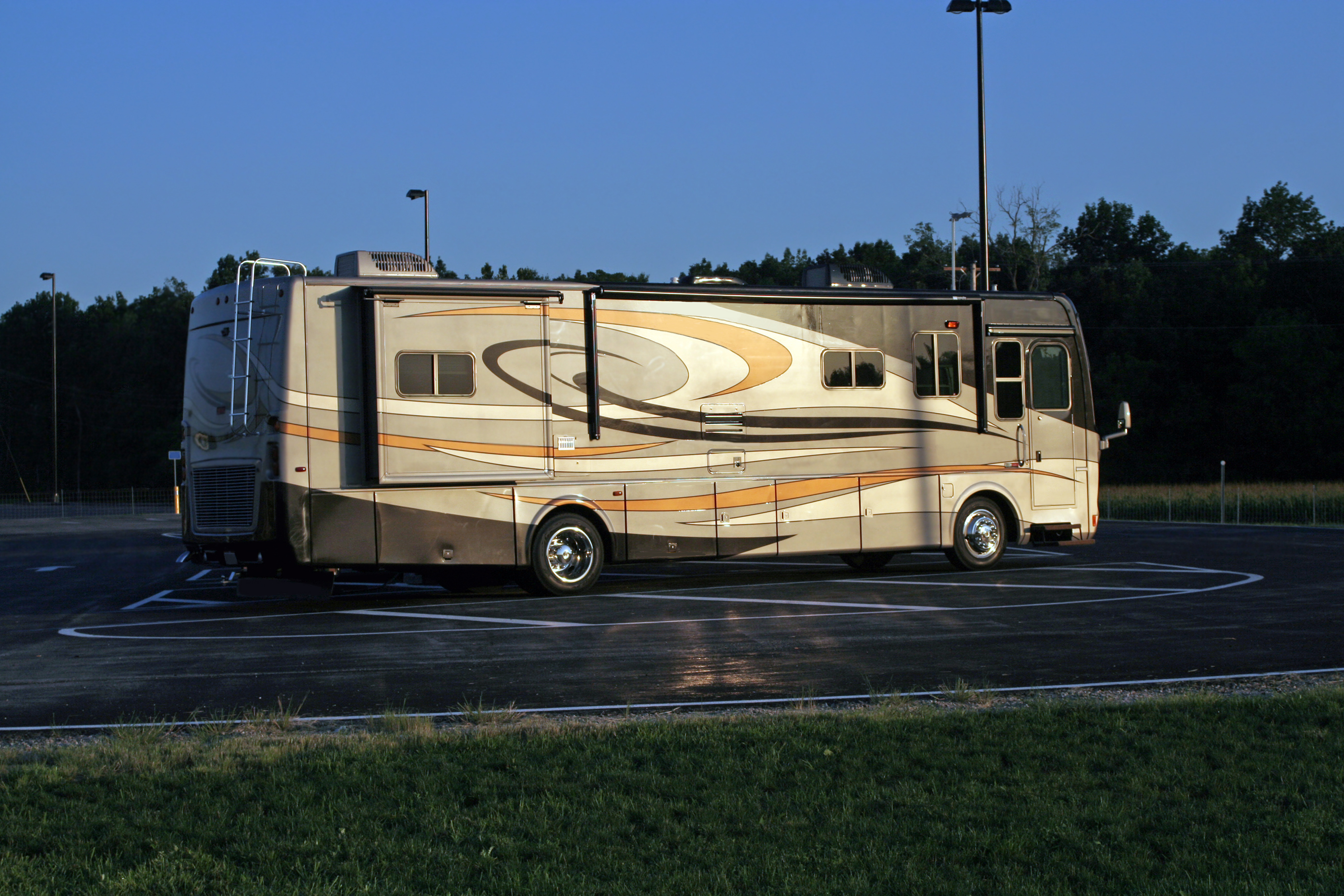 4 Last-Resort Parking Ideas for your RV