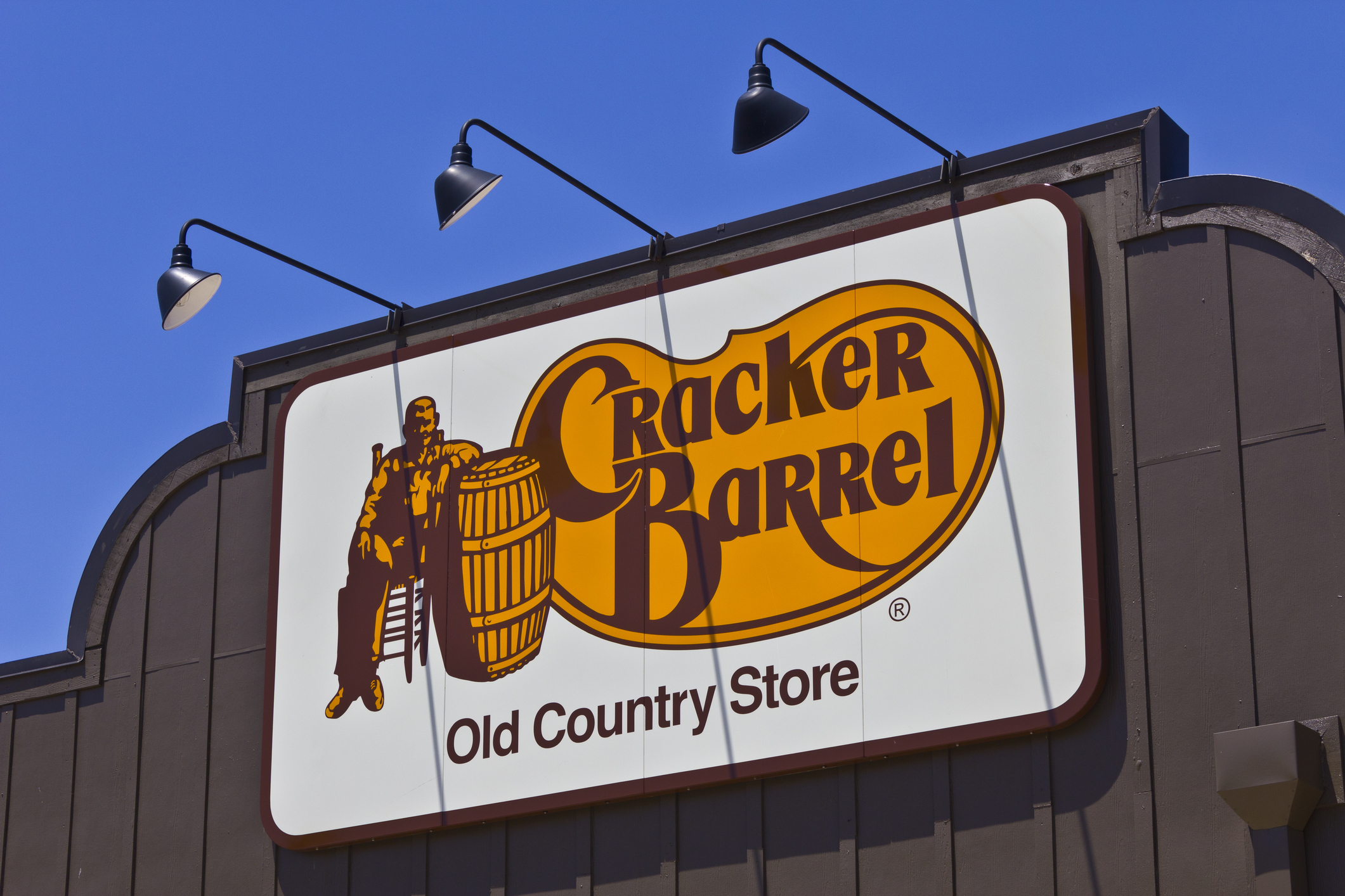 Indianapolis, US - June 17, 2016: Cracker Barrel Old Country Store Location. Cracker Barrel Serves Homestyle Food II