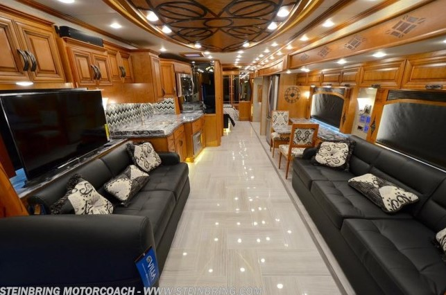 Featured RV Dealer: Steinbring Motorcoach