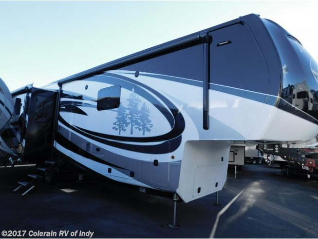 RV Find of the Week: 2017 Redwood Residential Vehicles Redwood 3901WB