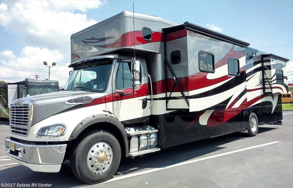 RV Find of the Week: 2015 Show Hauler MotorCoach 40GLS