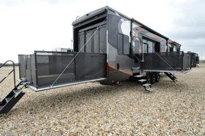 2018 Heartland RV Road Warrior RW427