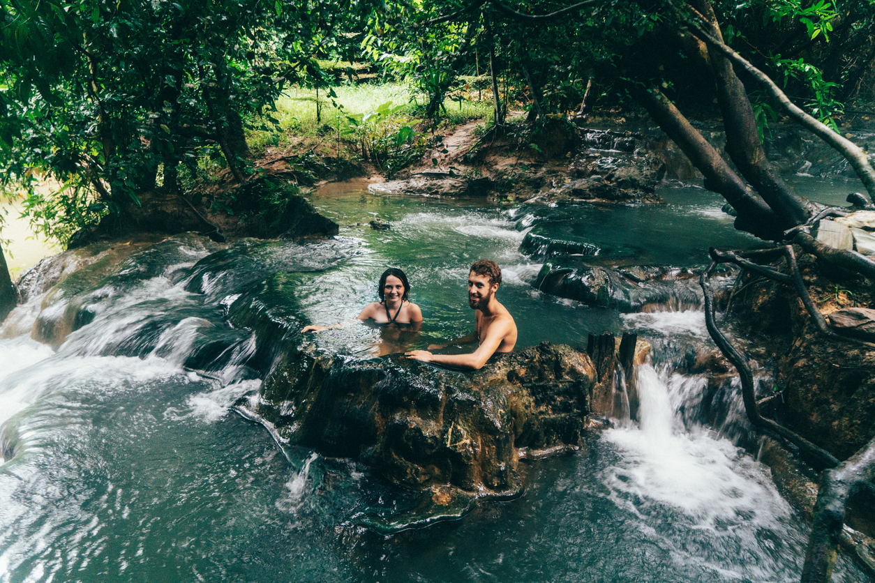 6 US Hot Springs to Visit this Winter Break