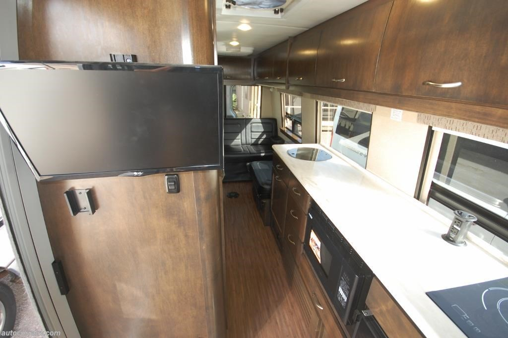 2017 Coachmen Galleria 24TD b2f hall