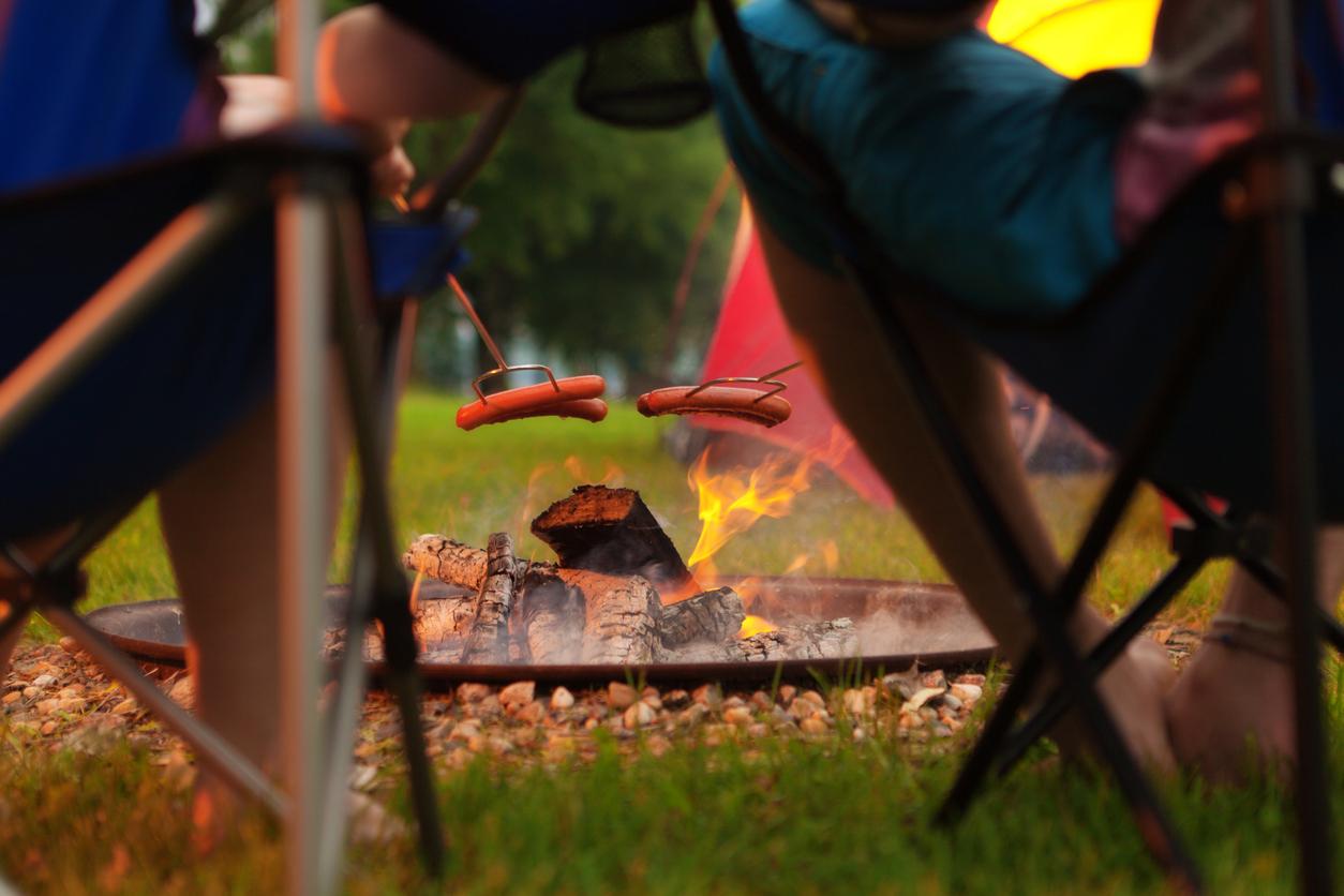 Campfire Hotdogs!