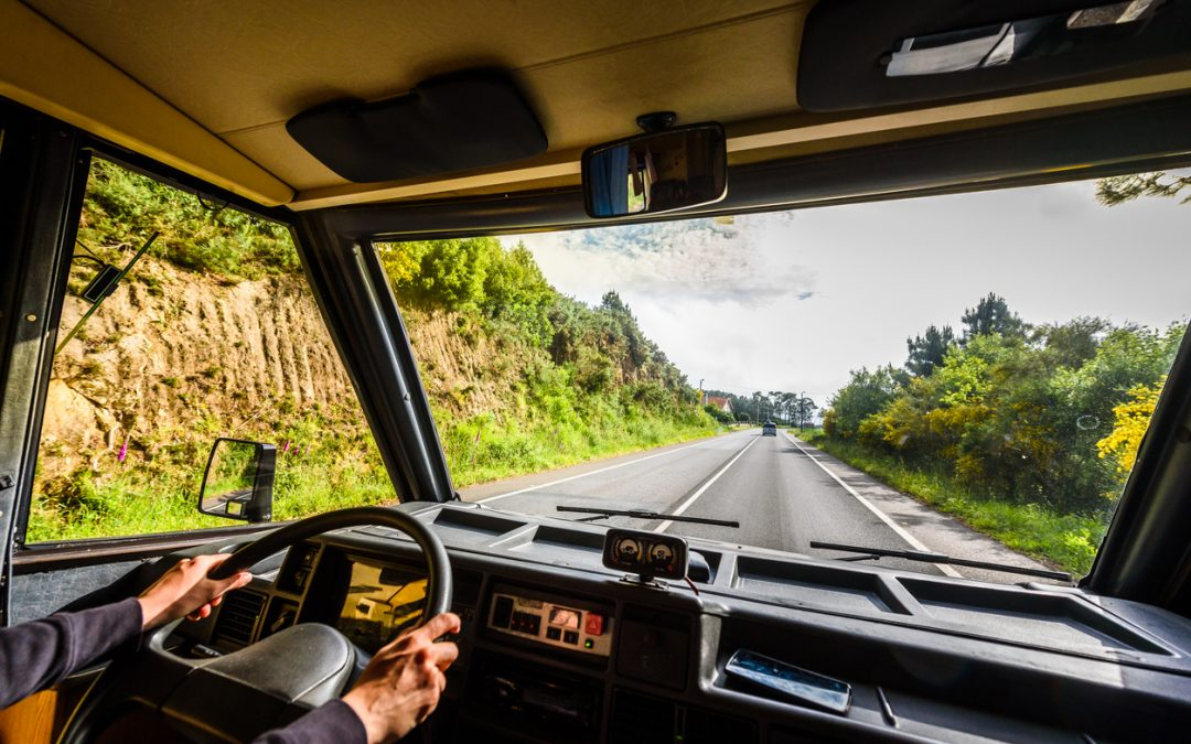 Tips and Tricks to Driving a Large RV
