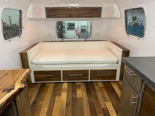 Airstream-Interior Daybed